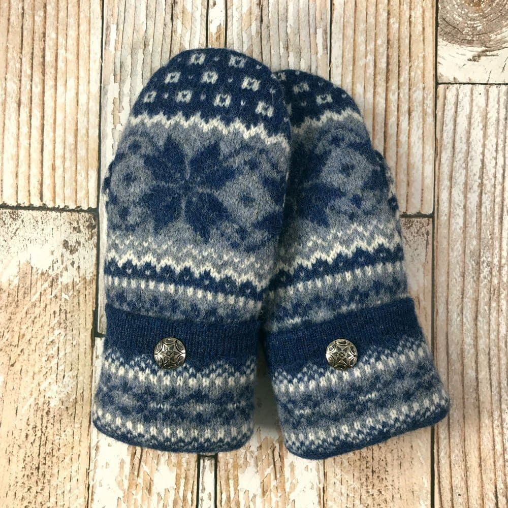 blue nordic star mittens