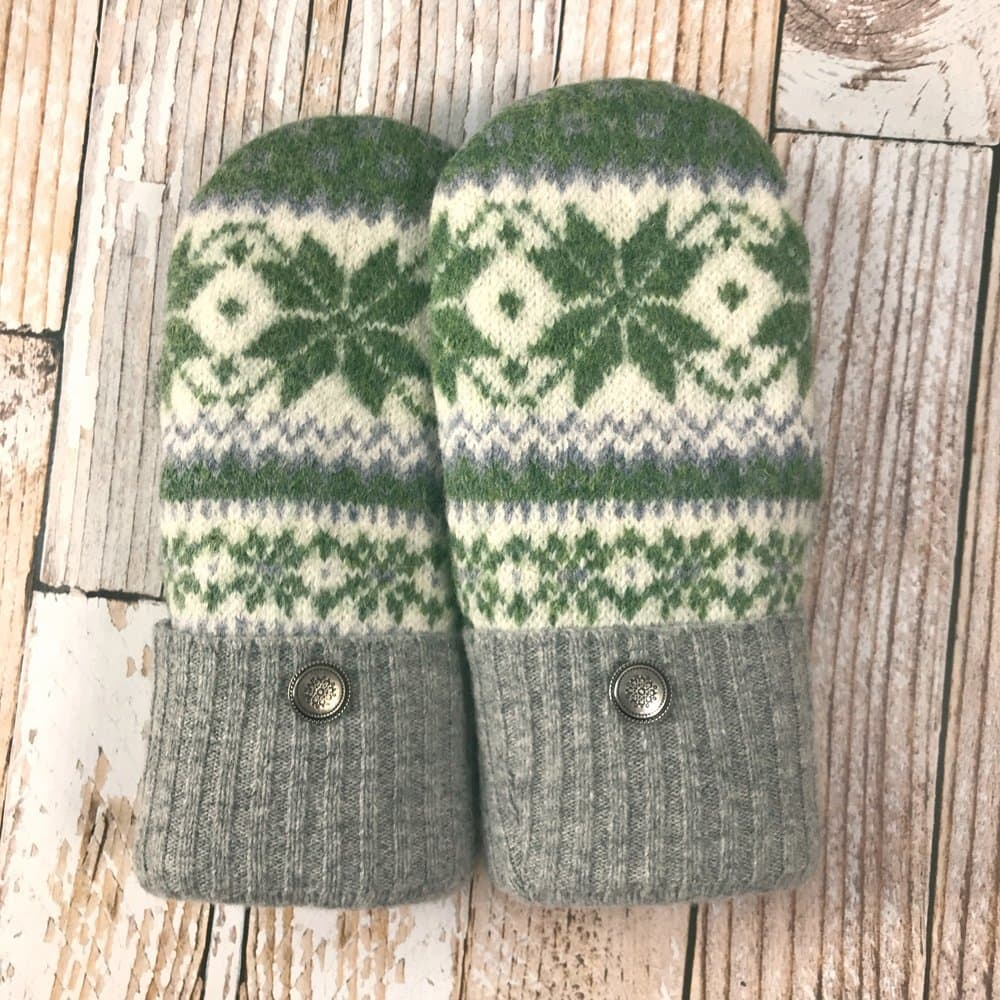 green nordic star design mittens