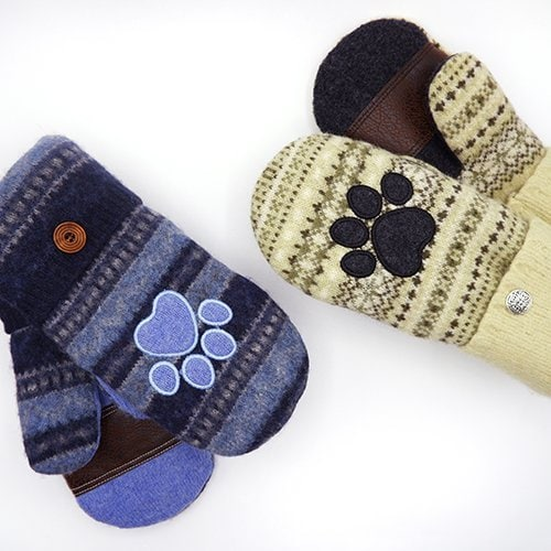 mittens with paw print embroidery