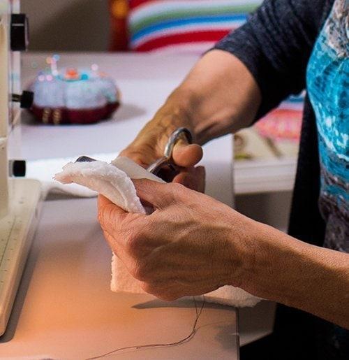 Cutting mitten linings